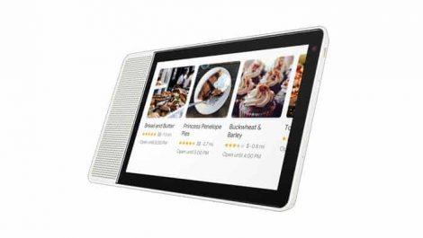 Lenovo ofrece su pantalla inteligente en dos opciones de color: bambú y gris. Tiene un frontal cuadrado con un par de altavoces de 10 vatios a un lado, cámara frontal de 5MP y pantalla táctil en HD. El dispositivo está construido para colocarse en posición vertical o en posición horizontal. La pantalla inteligente se ejecuta en la Home Hub Platform de Qualcomm con el SoC Snapdragon 624. Otras especificaciones de Lenovo Smart Display incluyen micrófono dual 2 × 2, hasta 2 GB de RAM y 4 GB de almacenamiento nativo, y conectividad Wi-Fi y Bluetooth. También es compatible con videollamadas a través de Google Duo. JBL LINK VIEW