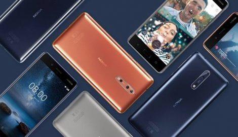 """Qué esperamos que presente HMD (Nokia) en el MWC 2018 El año pasado, HMD """"ganó"""" el MWC con la reedición del Nokia 3310. ¿Repetirán estrategia este año y veremos """"resucitar"""" a algún otro terminal icónico? Las filtraciones aquí no han desvelado nada al respecto, pero con lo bien que les funcionó el año pasado, no descartaría que pudiésemos ver algo similar este año. Lo que sí habrá casi seguro son varios teléfonos Nokia con Android. Sí, las filtraciones apuntan a """"varios"""". Entre ellos podría estar el Nokia 9, el nuevo y esperado teléfono de gama alta de la compañía. Podrían acompañarle algún teléfono de gama de entrada (suena mucho el Nokia 1) y un Nokia 7 Plus con Android One. ¿E igual el Nokia 10 y sus cinco cámaras? Lo que parece claro, a partir de todas estas filtraciones, es que veremos varios dispositivos y va a ser una presentación movidita. En cualquier caso, saldremos de dudas en unos instantes. Como siempre, al término de la presentación podrás leer todas las novedades y nuestras primeras impresiones de todo lo que anuncien aquí, en Xataka.com. Y todavía no te vayas, porque en breve llega el plato fuerte del día: la esperada presentación de Samsung."""
