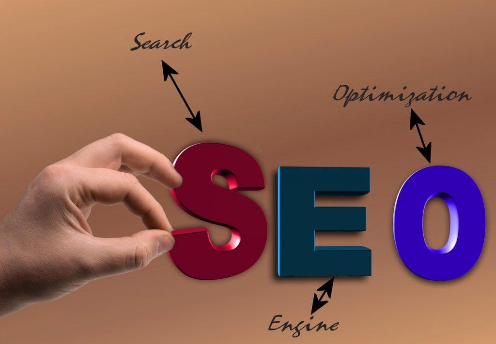 Posicionamiento SEO para webs y tiendas online ¿Qué es el posicionamiento web en buscadores (SEO)? Posicionamiento web en buscadores Consiste en mejorar la visibilidad de una página web en los resultados de los buscadores como Google. SEO viene del inglés (Search Engine Optimization). Optimización de motores de búsqueda. Cómo evoluciona el posicionamiento Google hace continuamente cambios que es necesario tener en cuenta para el posicionamiento de una página web. Evitan que las webs hagan trampas para posicionar, ofreciéndonos los mejores resultados. ¿Que pide Google para posicionar una web? Contenido de calidad Debes ofrecer información y contenido de calidad sobre tu temática. Fácil de usar Con una estructura limpia y clara que ayude al usuario a convertirse en cliente. Una web rápida No hagas esperar a los usuarios. El tiempo es oro. Como posicionar tu página web o tu tienda online Analisis de palabras clave Analizamos las palabras clave por las que necesitas posicionarte, tu sector y tu competencia. Optimización Optimizamos tu web según los estandares que quiere Google. Contenido optimizado SEO El contenido de tu web en base a las palabras claves elegidas. Títulos, encabezados, secciones de servicios o fichas de producto para tiendas online. Blog Creamos tu blog y generamos posicionamiento a traves de los artículos que publiquemos sobre tu sector. Marketing en redes sociales Google valora mucho la participación de las webs en redes sociales. Es la mejor forma de calcular la popularidad de una web. Mejora del posicionamiento Medimos los resultados y mejoramos la estrategia mes a mes de las palabras claves y del contenido.