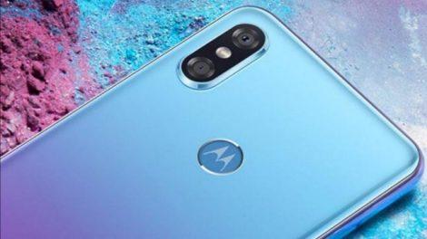 El Motorola One Power es uno de los teléfonos más comentados de estas semanas. Se trata del nuevo modelo de la firma, que destaca por hacer uso de Android One como sistema operativo. De esta manera, se convierte en el primero de la firma en tener esta versión del sistema operativo. Nos han ido llegando detalles sobre el teléfono, aunque ahora se han filtrado sus especificaciones completas. Por lo que este Motorola One Power no esconde ya apenas secretos para nosotros. Un teléfono que promete destacar especialmente por su autonomía, además de hacer uso de Android One, lo que le dará actualizaciones más rápidas en todo momento.